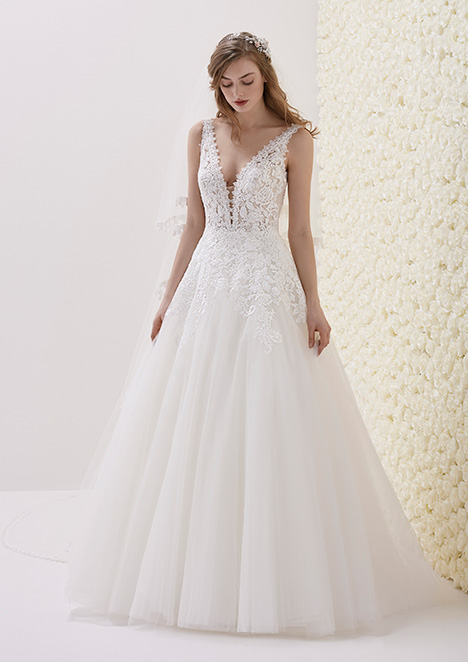 ESTIBALIZ gown from the 2019 Pronovias collection, as seen on Bride.Canada