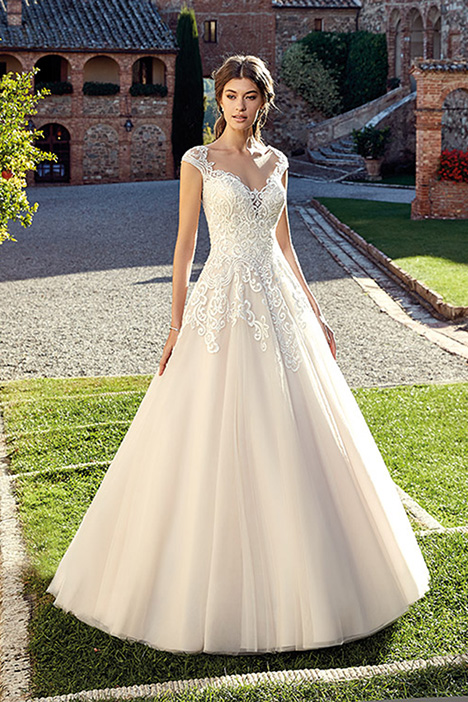 EK1207 gown from the 2019 Eddy K collection, as seen on Bride.Canada