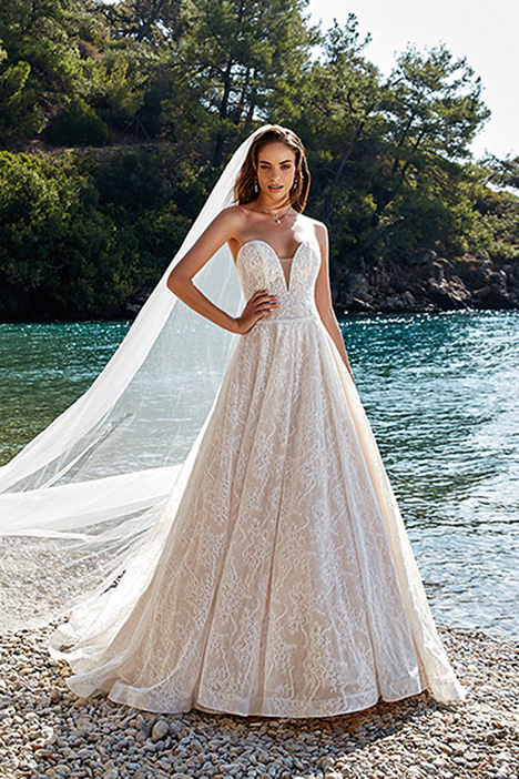 Corinne gown from the 2019 Eddy K Dreams collection, as seen on Bride.Canada