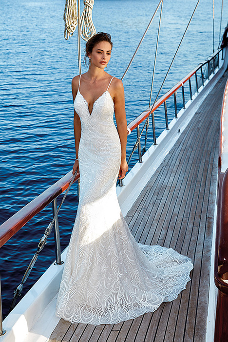 Verona (DR1937) gown from the 2019 Eddy K Dreams collection, as seen on Bride.Canada