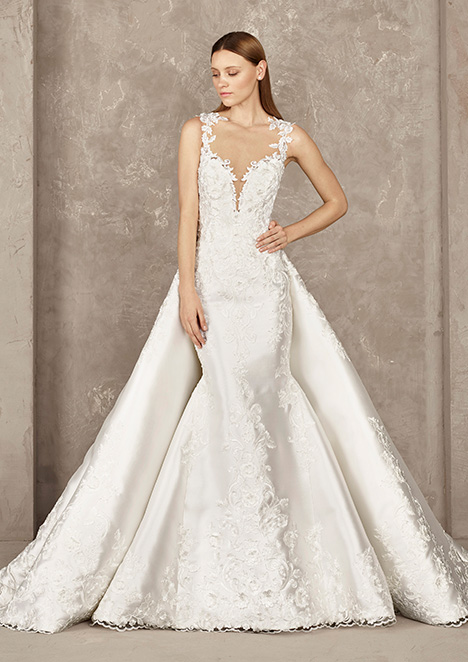 YONARA gown from the 2019 Pronovias Privée collection, as seen on Bride.Canada
