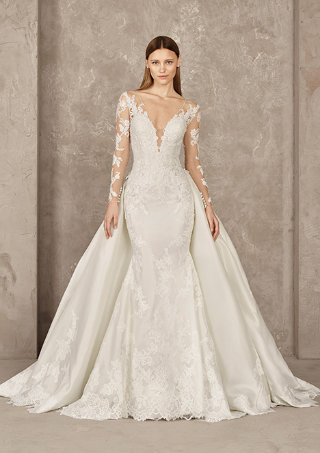 YORLET gown from the 2019 Pronovias Privée collection, as seen on Bride.Canada