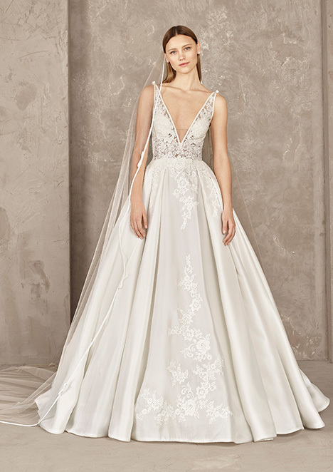 YORVIN gown from the 2019 Pronovias Privée collection, as seen on Bride.Canada