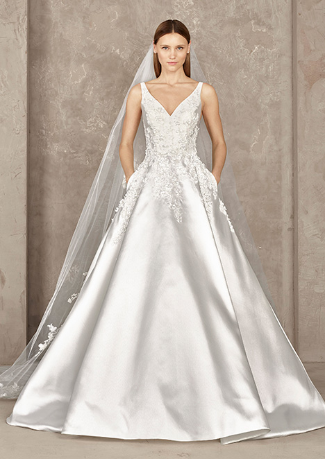 YOSTER gown from the 2019 Pronovias Privée collection, as seen on Bride.Canada