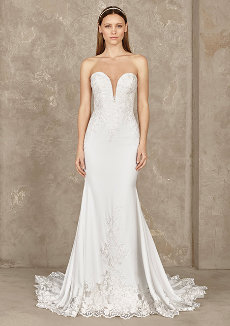 YUBER gown from the 2019 Pronovias Privée collection, as seen on Bride.Canada