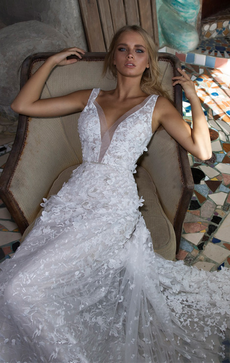 Piper gown from the 2018 Limor Rosen collection, as seen on Bride.Canada