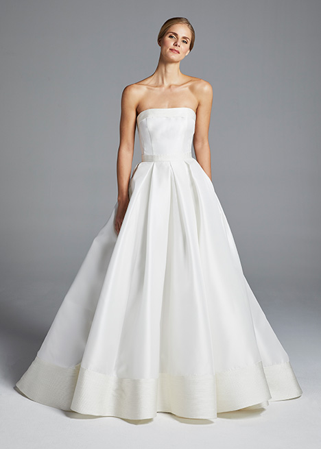 HUTTON gown from the 2019 Anne Barge collection, as seen on Bride.Canada