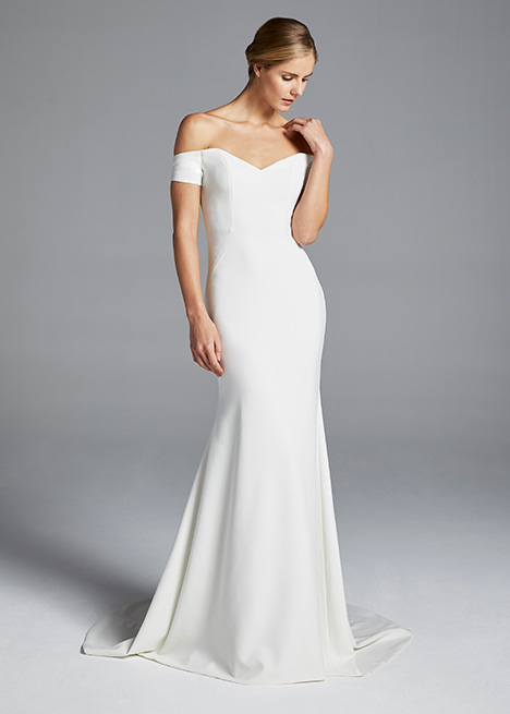 JOLIE gown from the 2019 Anne Barge collection, as seen on Bride.Canada