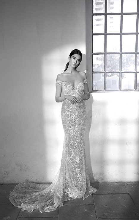 Amber gown from the 2018 Lee Petra Grebenau collection, as seen on Bride.Canada