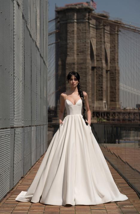 Crawford (91916) gown from the 2019 Alyne collection, as seen on Bride.Canada