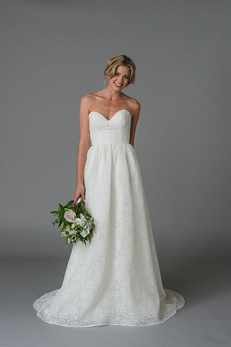 Justina gown from the 2018 Lis Simon collection, as seen on Bride.Canada