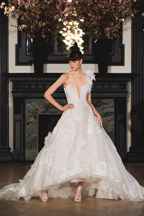 Claire gown from the 2019 Ines Di Santo collection, as seen on Bride.Canada