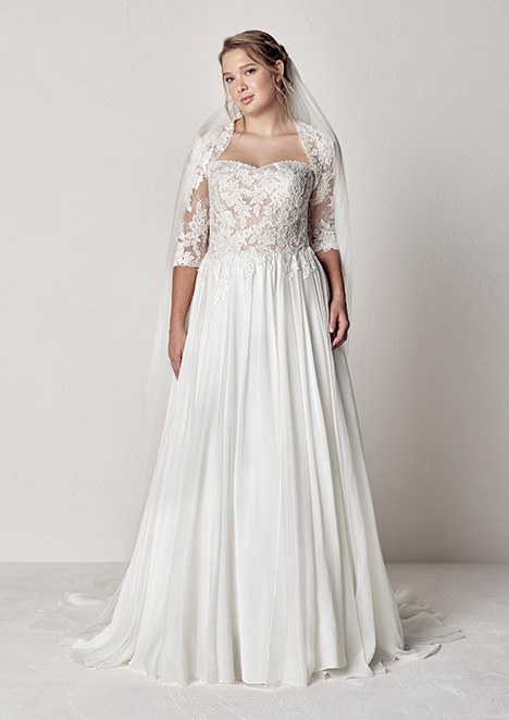 ETIR gown from the 2019 Pronovias Plus collection, as seen on Bride.Canada