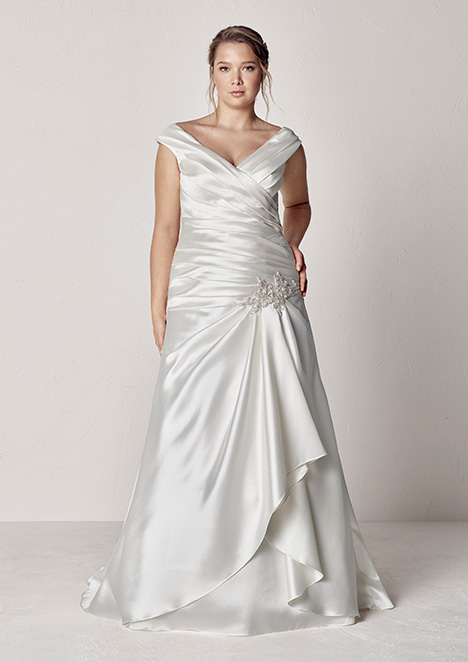 EUREKA gown from the 2019 Pronovias Plus collection, as seen on Bride.Canada
