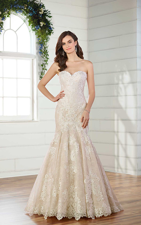 D2556 gown from the 2018 Essense of Australia collection, as seen on Bride.Canada