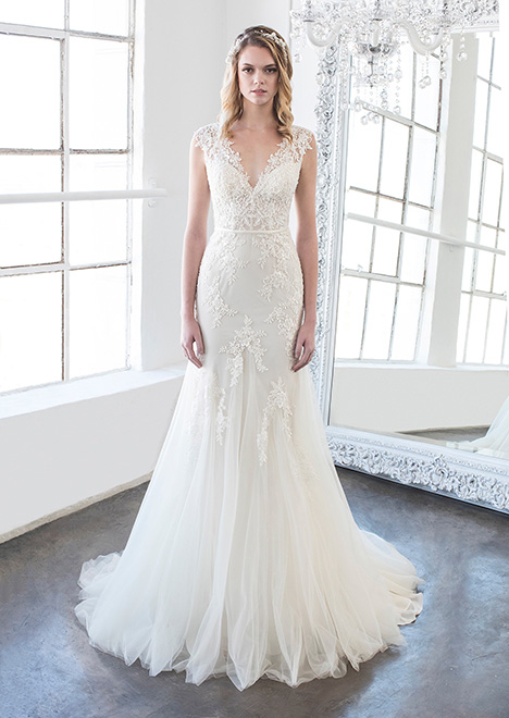 Emery (8477) gown from the 2018 Winnie Couture : Blush collection, as seen on Bride.Canada