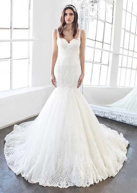 Paisley (8484) gown from the 2018 Winnie Couture : Blush collection, as seen on Bride.Canada