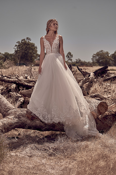 WA 209-1Z gown from the 2018 White April collection, as seen on Bride.Canada