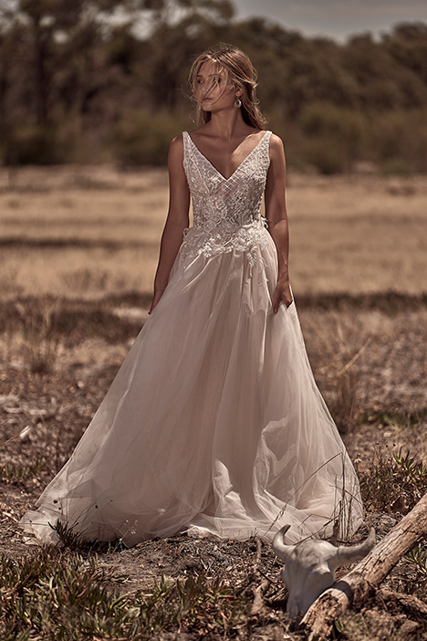 WA 6058-1Z gown from the 2018 White April collection, as seen on Bride.Canada