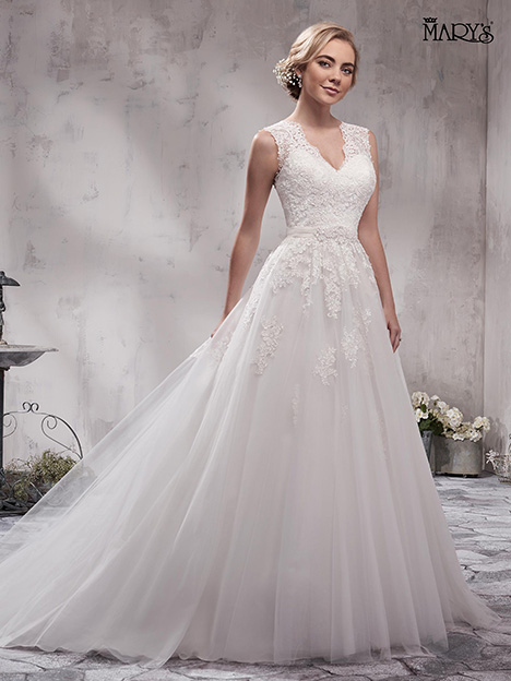 MB3002 gown from the 2018 Mary's Bridal collection, as seen on Bride.Canada