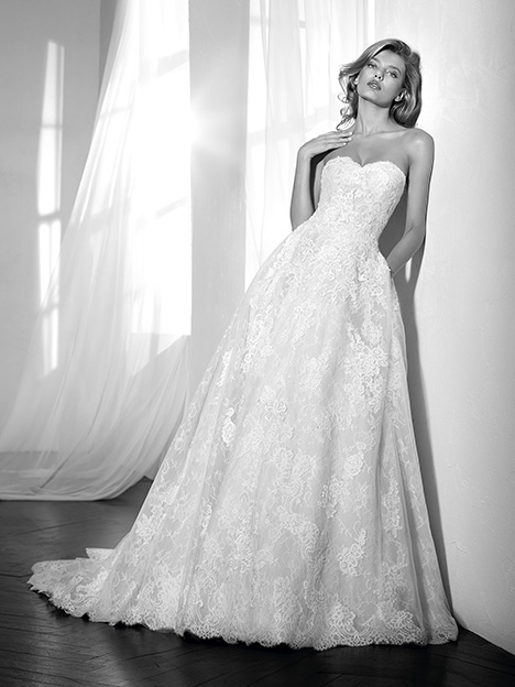 Zatiral gown from the 2017 St. Patrick collection, as seen on Bride.Canada