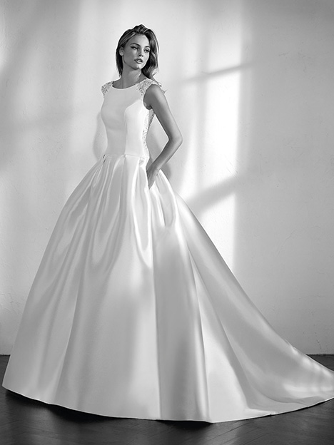 Zenon gown from the 2017 St. Patrick collection, as seen on Bride.Canada