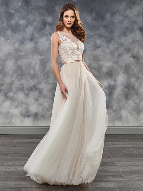 MB2032 gown from the 2018 Mary's Bridal: Moda Bella collection, as seen on Bride.Canada
