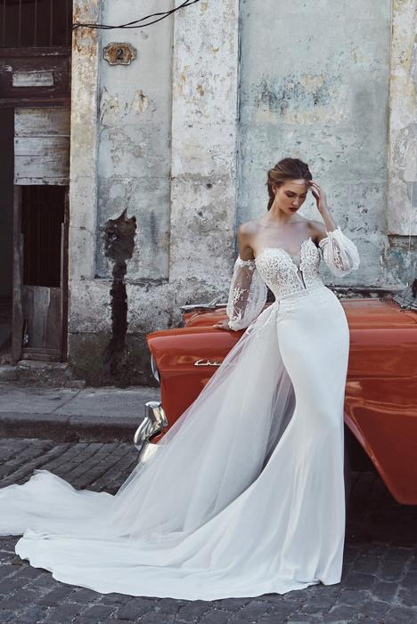 Krysta gown from the 2018 L'Amour by Calla Blanche collection, as seen on Bride.Canada