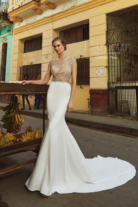 LA8239 gown from the 2018 L'Amour by Calla Blanche collection, as seen on Bride.Canada