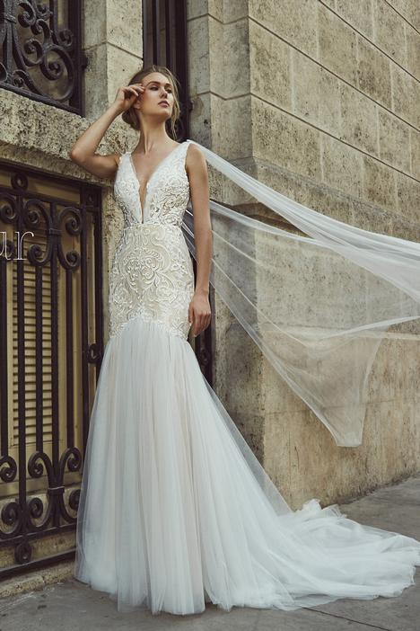LA8243 gown from the 2018 L'Amour by Calla Blanche collection, as seen on Bride.Canada