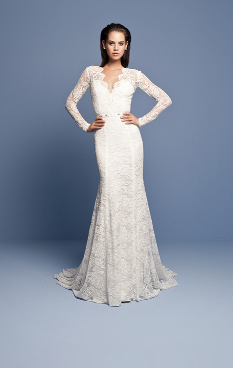 OCN 421 gown from the 2018 Daalarna collection, as seen on Bride.Canada