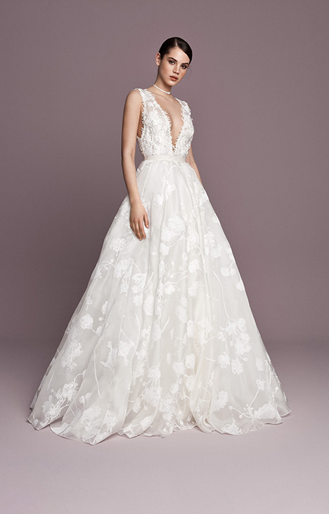 SNT550 gown from the 2018 Daalarna collection, as seen on Bride.Canada