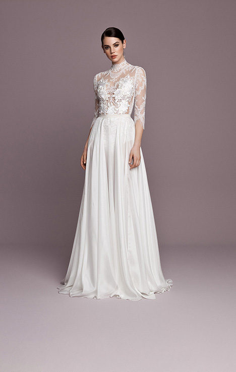 SNT558 gown from the 2018 Daalarna collection, as seen on Bride.Canada