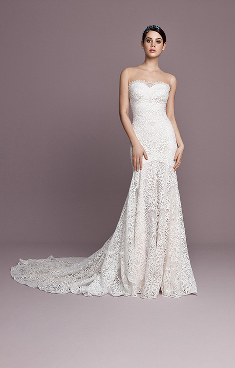 SNT567 gown from the 2018 Daalarna collection, as seen on Bride.Canada