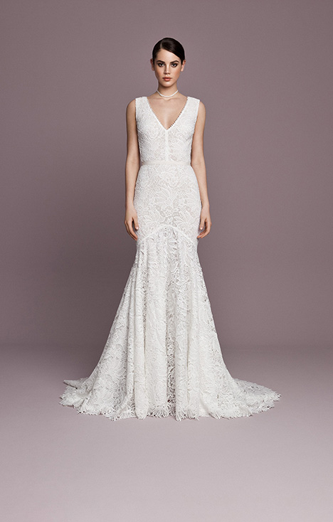SNT568 gown from the 2018 Daalarna collection, as seen on Bride.Canada