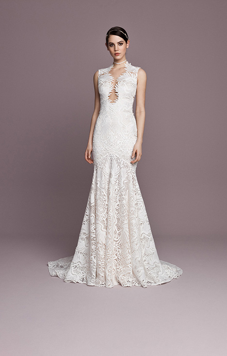 SNT569 gown from the 2018 Daalarna collection, as seen on Bride.Canada