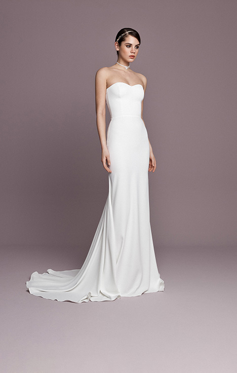 SNT587 gown from the 2018 Daalarna collection, as seen on Bride.Canada