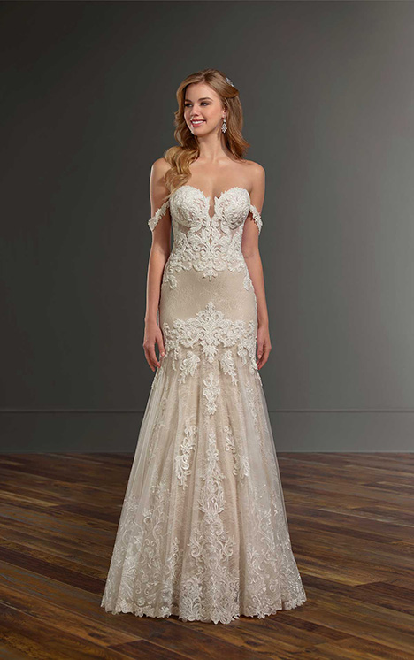 1012 gown from the 2018 Martina Liana collection, as seen on Bride.Canada