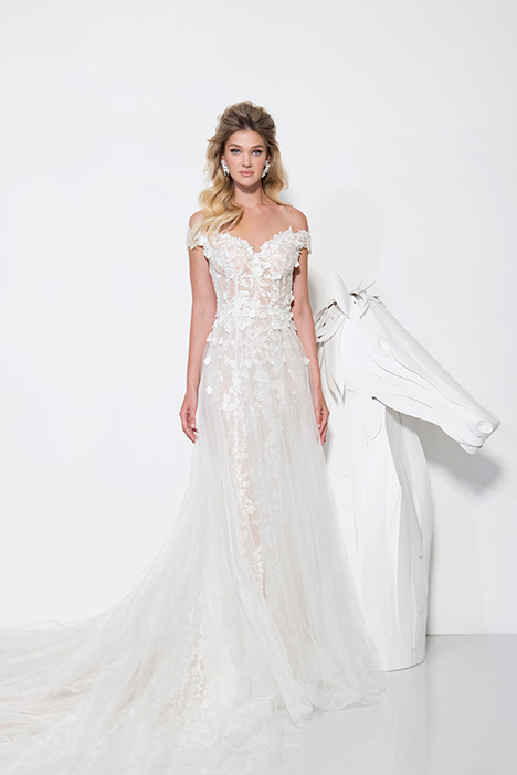 1902 gown from the 2019 Yaniv Persy Bridal Couture collection, as seen on Bride.Canada