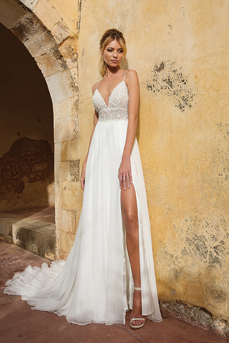 88035 gown from the 2019 Justin Alexander collection, as seen on Bride.Canada