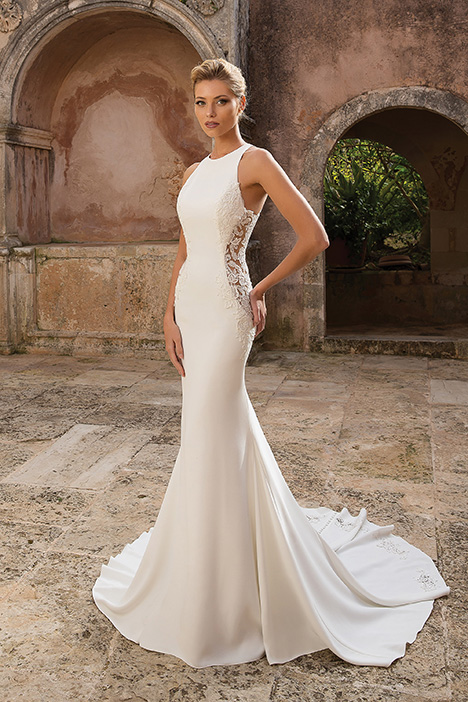 88040 gown from the 2019 Justin Alexander collection, as seen on Bride.Canada