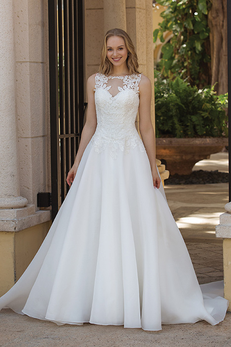 gown from the 2019 Sincerity collection, as seen on Bride.Canada