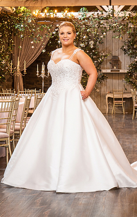 BBP19502 gown from the 2019 Bridalane: Beautiful Brides Plus collection, as seen on Bride.Canada