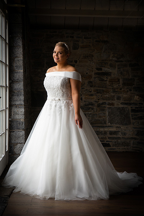 BBP19516 gown from the 2019 Bridalane: Beautiful Brides Plus collection, as seen on Bride.Canada
