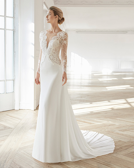 ELANA gown from the 2019 Aire Barcelona Bridal collection, as seen on Bride.Canada