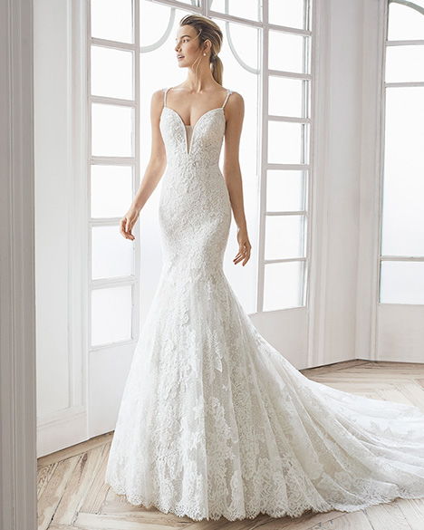 ELVA gown from the 2019 Aire Barcelona Bridal collection, as seen on Bride.Canada