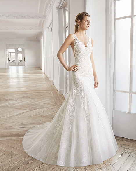 EMOTIVO gown from the 2019 Aire Barcelona Bridal collection, as seen on Bride.Canada