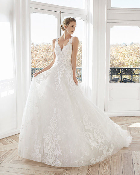 ERLINA gown from the 2019 Aire Barcelona Bridal collection, as seen on Bride.Canada
