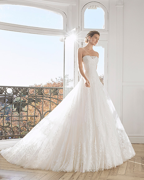 ESMERO gown from the 2019 Aire Barcelona Bridal collection, as seen on Bride.Canada