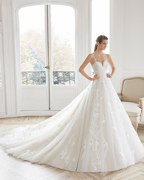 ESTELLA gown from the 2019 Aire Barcelona Bridal collection, as seen on Bride.Canada
